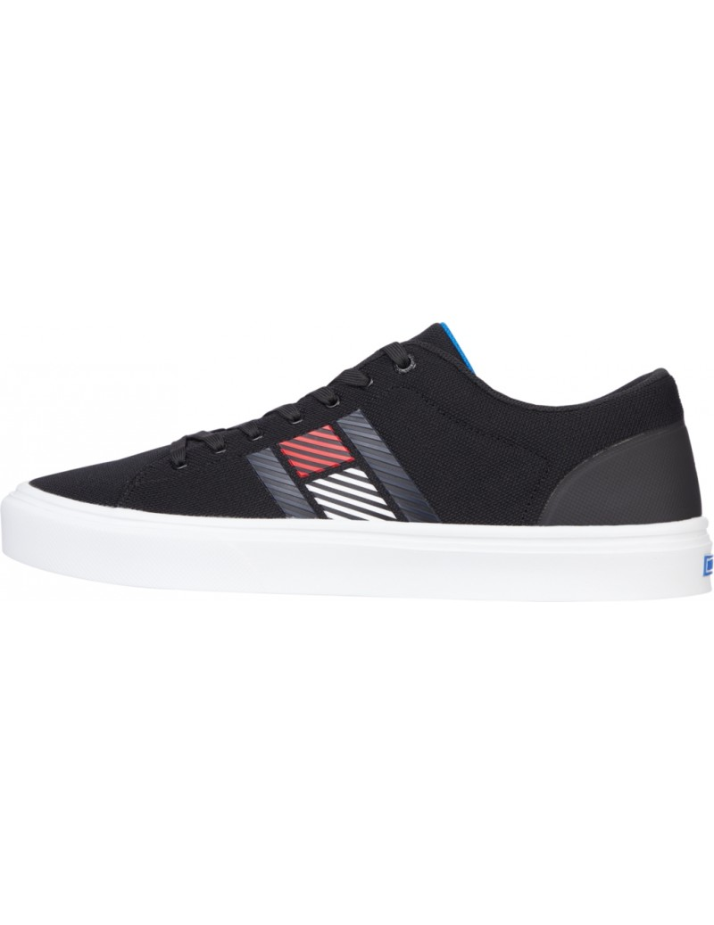 Tommy Hilfiger Sneakers...